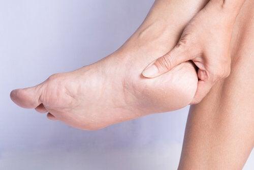 Hvordan du kan behandle og forebygge hælsporer