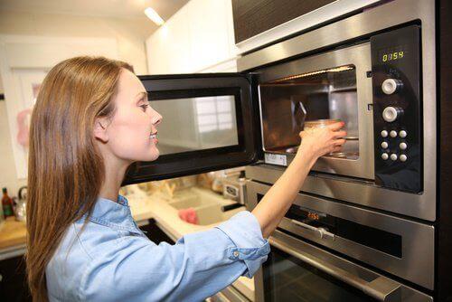 Pass på! Disse 7 matvarene bør aldri varmes opp