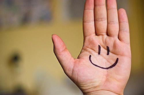 2-hånd-smil