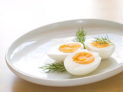 3 hardkokte egg