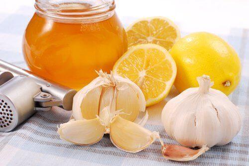 5-honning og hvitløk