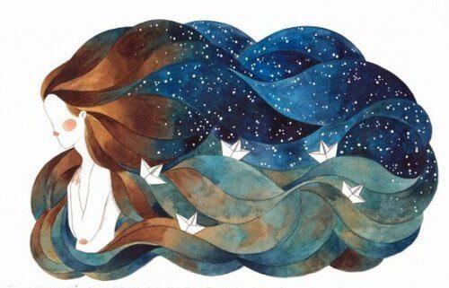 kvinne med havet i håret