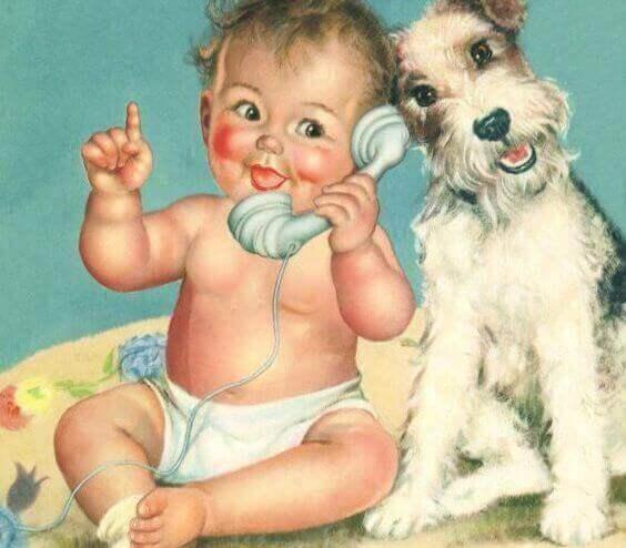 baby snakker i telefon med hund