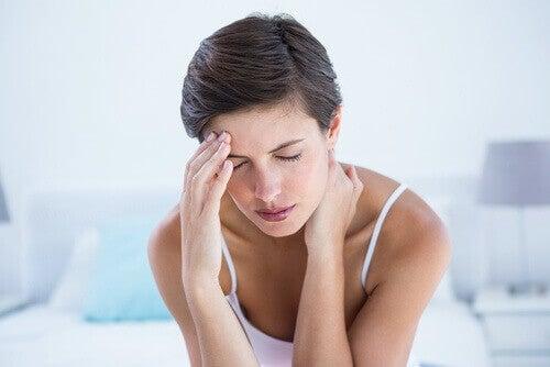 kvinne-migrene