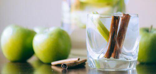 kanelvann med eple og sitron