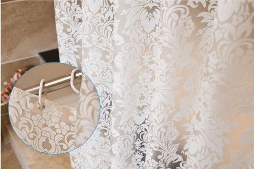 Hvordan fjerne melduggflekker fra dusjforhenget