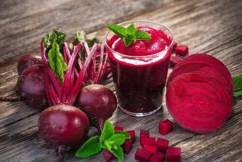 6 sunne juicer for å forhindre og behandle anemi