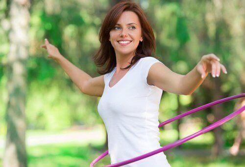 kvinne i park