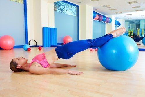 kvinne på trening