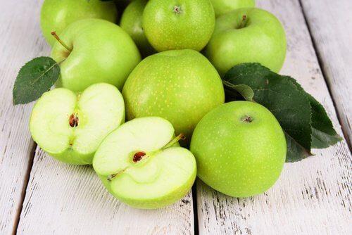 3. Smoothie med grønt eple og grønnkål