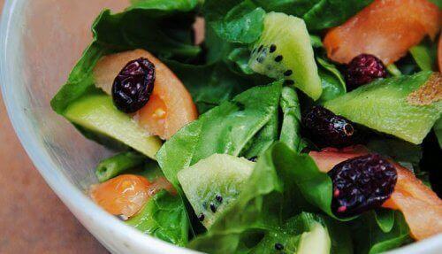 salat-med-spinat-og-kiwi