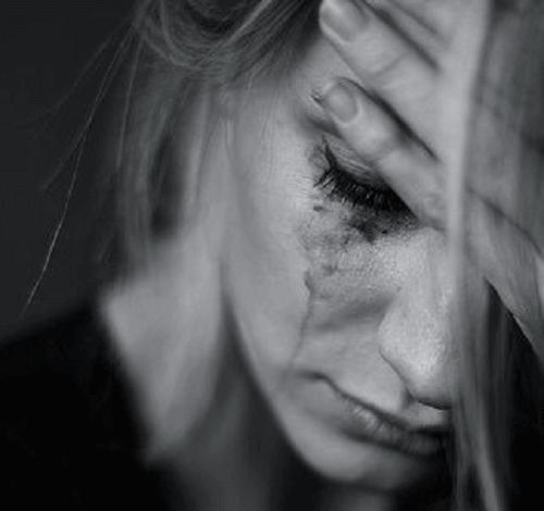 Gråtende kvinne
