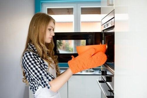 6 oppvarmede matvarer som kan gjøre deg syk