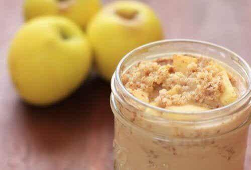 Fordelene ved å spise quinoa med eple og kanel til frokost