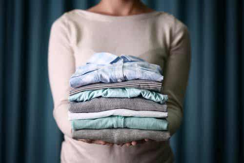 Hvorfor det ikke er bra å tørke klær på snor i huset