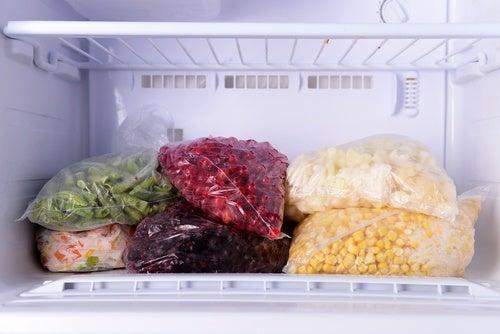 9 matvarer du ikke bør oppbevare i fryseren