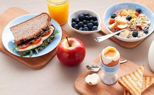 5 enkle steg for effektiv vektnedgang med frokost og middag
