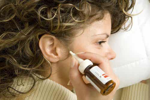 7 naturlige remedier for å fjerne ørevoks