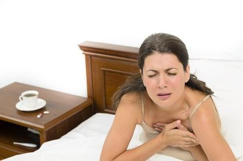 kvinne med angstanfall