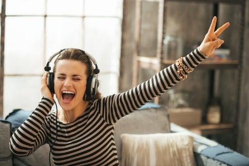 Hvordan påvirker musikk humøret ditt?