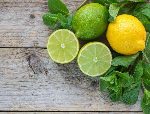 Sitron og lime renser kroppen