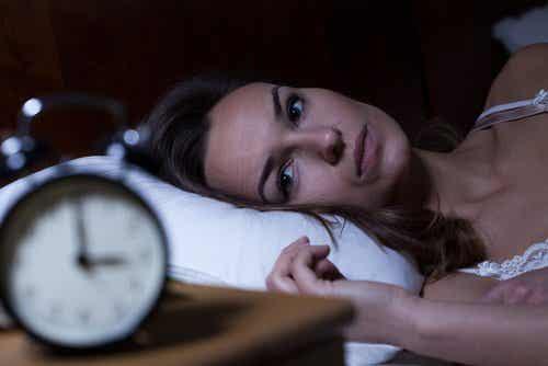 5 bioligiske konsekvenser av å miste søvn