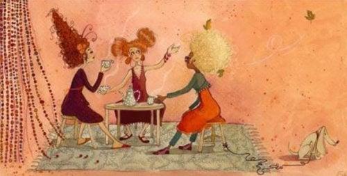 kvinner drikker te
