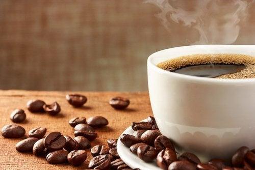6 måter mørk kaffe kan forhindre ulike sykdommer på