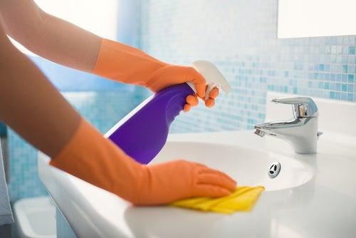5 gjenstander som samler bakterier hjemme hos deg