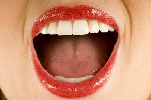 kokosolje desinfiserer munnen