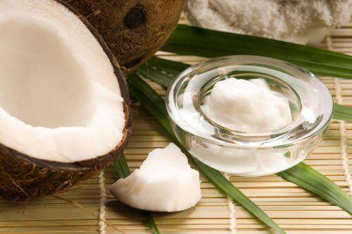 Slik bruker du kokosolje som naturlig kosmetikk