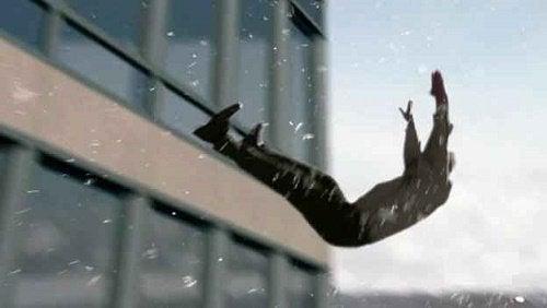 mann faller ned fra WTC