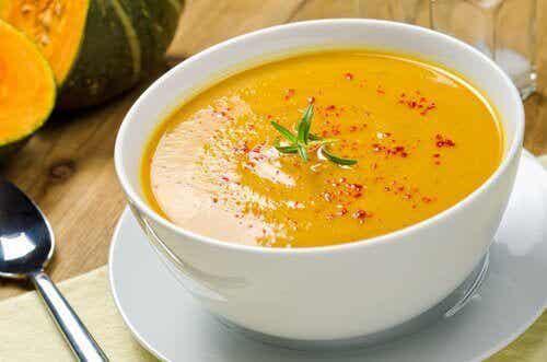 5 deilige og effektive fettforbrennende supper