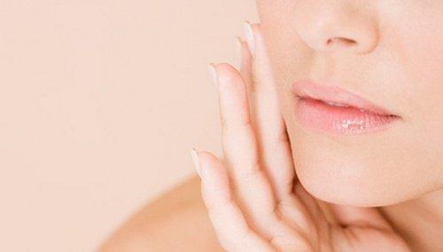 kvinne med myk hud