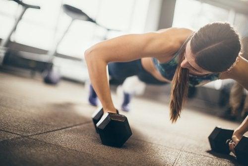 3 øvelser for å styrke armmusklene dine