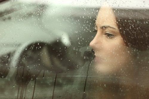 8 tips for å naturlig overvinne sorg og depresjon