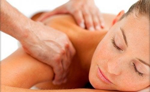 Kink i nakken: 5 tips som vil hjelpe deg