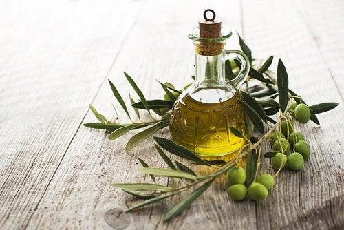 Olivenolje og sunne matvarer