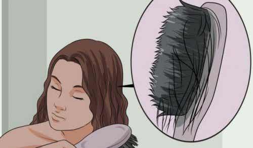 Oppdag årsakene til tynt hår og matvarer for å hindre det