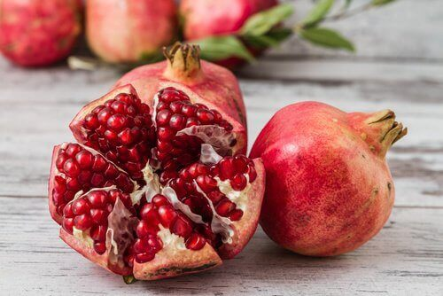 10 typer frukt som bidrar til å bekjempe tegn på aldring