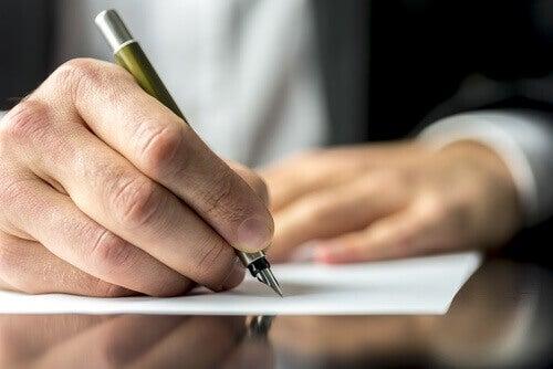 Skriv for å hjelpe til med å lindre sårene dine
