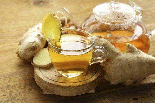 Te av ingefær og aloe vera: En kraftig, naturlig drikke