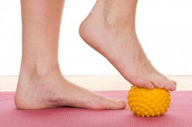 8 ting du kan gjøre hver dag for sunne føtter