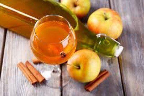 8 fordeler med å drikke en spiseskje av eplecidereddik om dagen