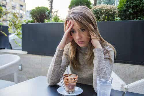 Grunnen til at du kanaliserer dine følelser gjennom mat