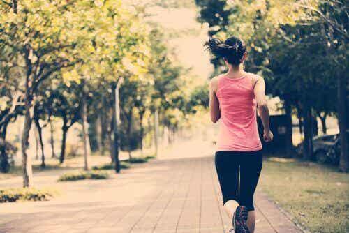 5 triks for å holde seg i form selv om du ikke har tid
