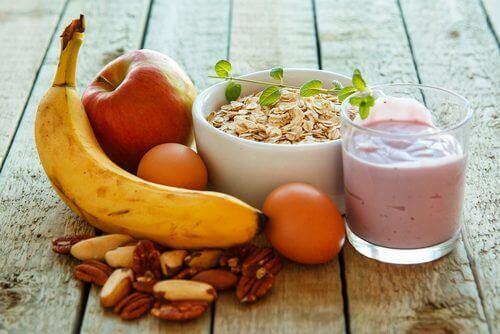 Frukt, nøtter og korn