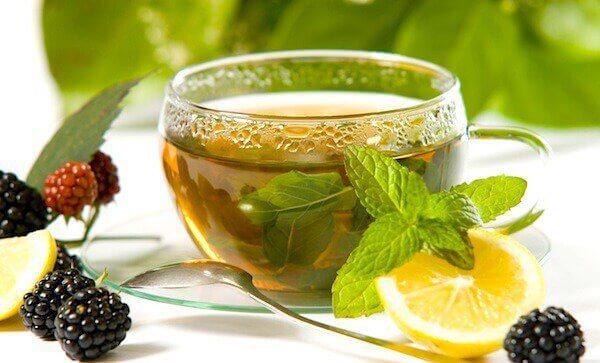 Grønn te med sitron