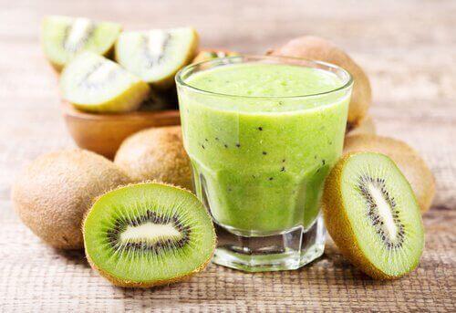 Juice med kiwi og appelsin