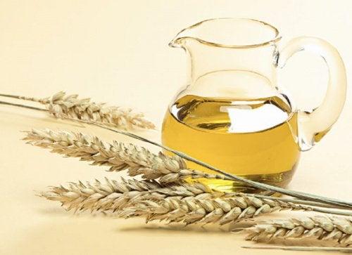 Hvordan bruke hvetekimolje i håret